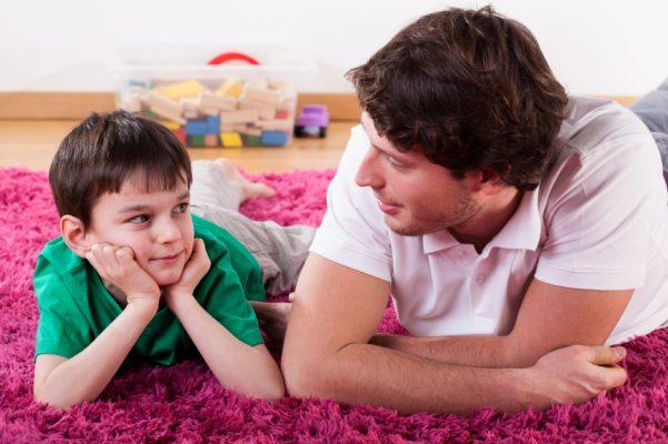 صحبت با کودکان درباره عواطف